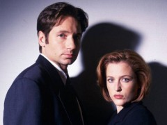 ForPressRelease.com - 'X-Files' Stars Gillian Anderson, David Duchovny To Attend Wizard World Comic Con Chicago